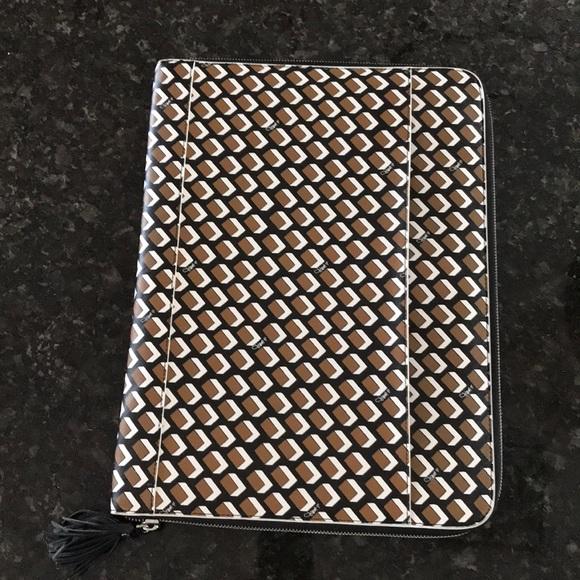 """Diane Von Furstenberg Accessories - Diane Von Furstenberg 14.5"""" Laptop Case Geometric"""